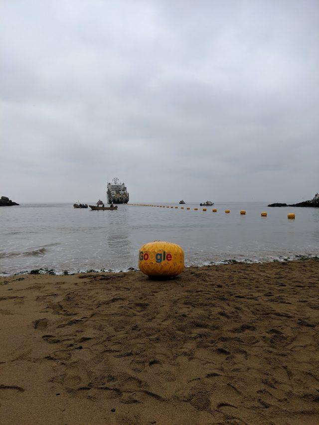 Llega a Valparaíso el cable submarino de Google que unirá a Chile y California